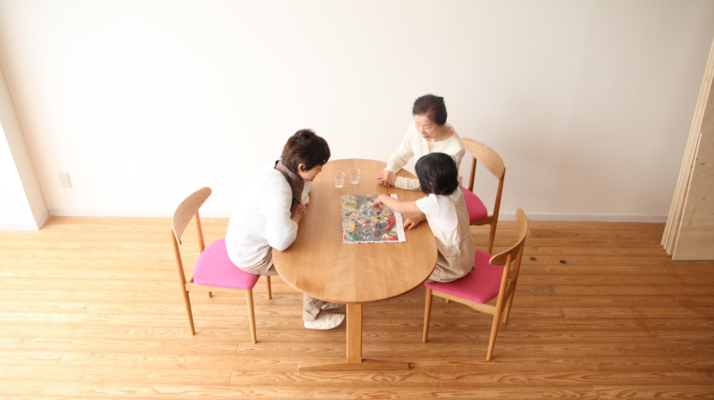 一台のテーブルからはじまる物語